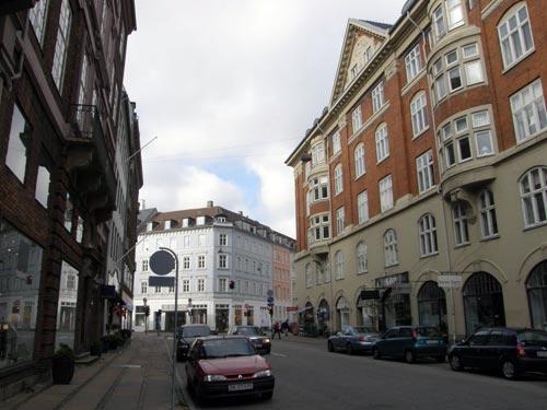 Esplanadegaarden til højre og man kigger mod Store Kongensgade